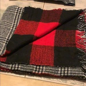 Express reversible scarf